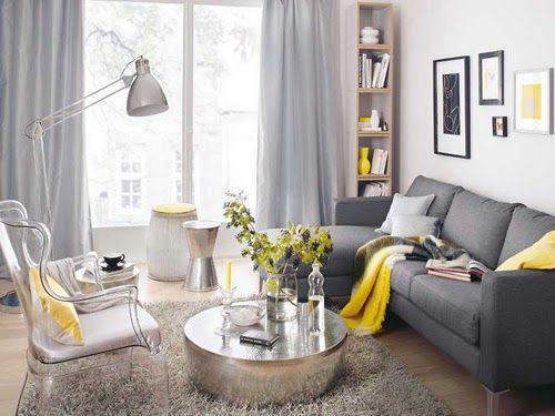 salas com sofá cinza cortina branca