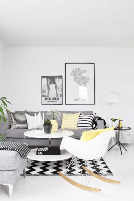 salas com sofá cinza parede branca