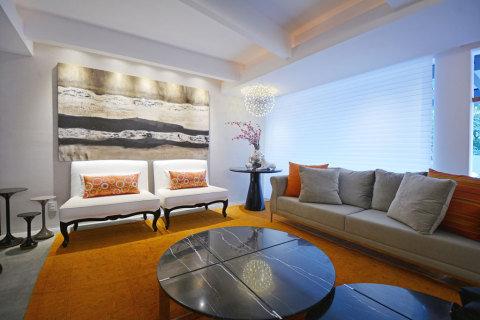 salas com sofá cinza tapete