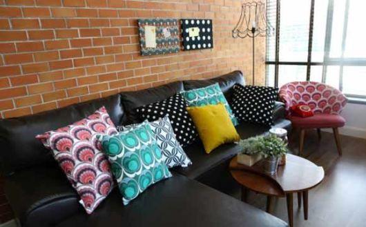 salas com sof preto como decorar modelos e 40 fotos. Black Bedroom Furniture Sets. Home Design Ideas