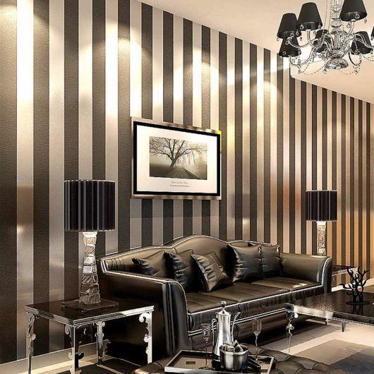 salas com sofá preto papel ideias