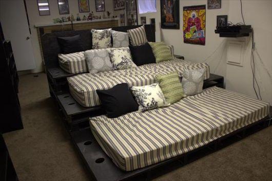sofá de pallet com colchão