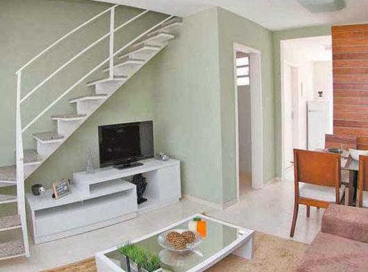 sala-de-estar-e-jantar-integradas-escadas-simples