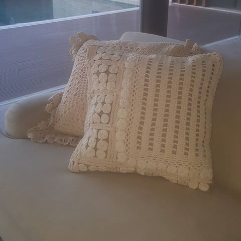almofada de crochê quadrada