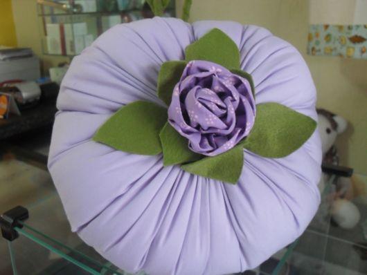 redonda com flor