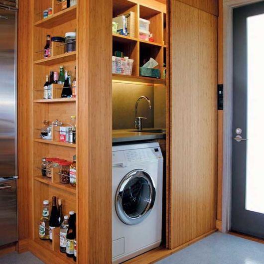 lavanderia embutida com despensa
