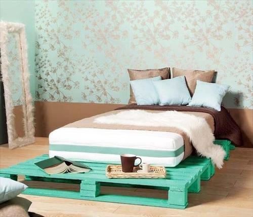 cama baixa pallets feminina