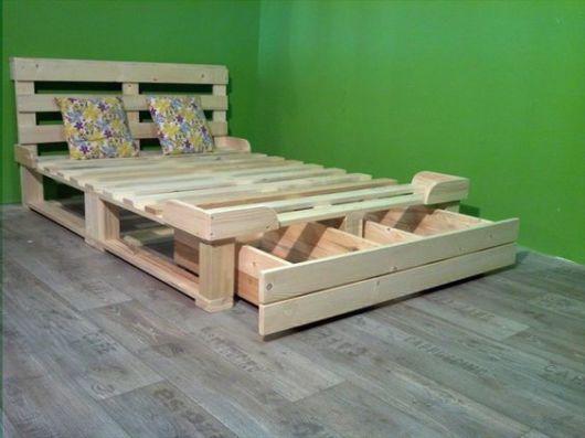 camas de madeira gavetas pallet