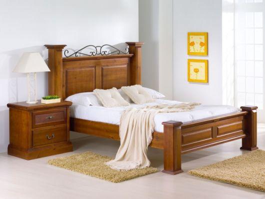 camas de madeira trabalhada