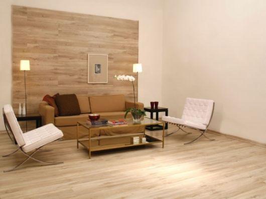 parede revestida madeira