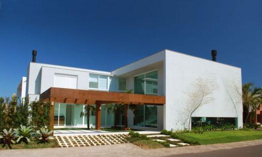 casa moderna com pergolado