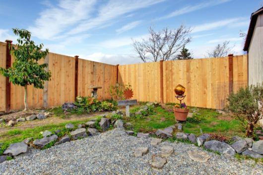cerca de madeira rustica para jardim:Cerca para Jardim: Dicas, ideias, modelos e + de 30 fotos!