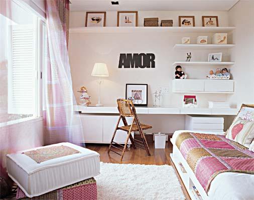 como decorar um quarto feminino estante