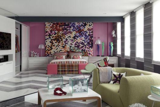 como decorar um quarto feminino grande poltrona