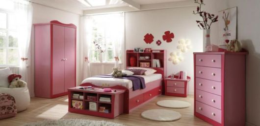 como decorar um quarto feminino grande
