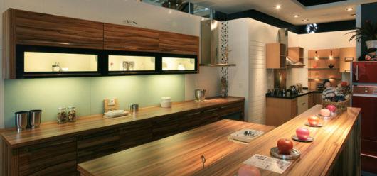 cozinhas-de-luxo-armarios-de-madeira-diferente
