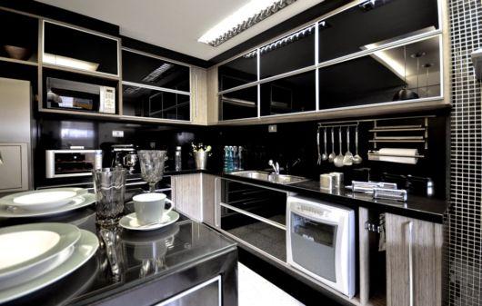 cozinhas-de-luxo-armarios-pretos