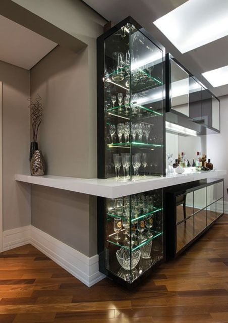cozinhas-de-luxo-com-cristaleira