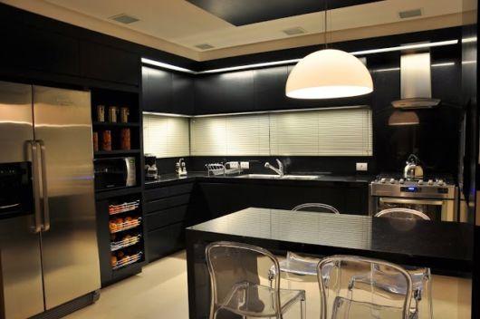 cozinhas-de-luxo-pretas-casa