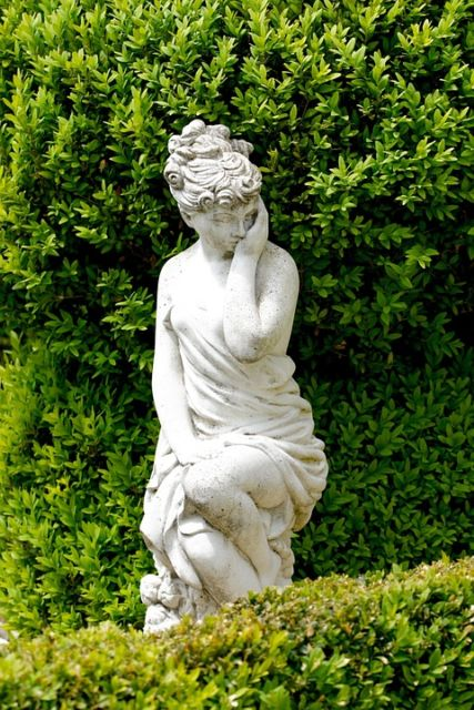 Enfeites para jardim 58 ideias para jardim interno e externo - Estatuas de jardin ...