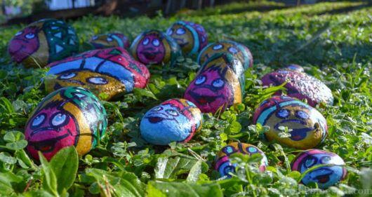 pedras coloridas jardim