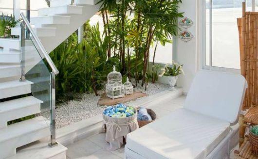 escada jardim embaixo:Enfeites para jardim: 58 ideias para jardim interno e externo!