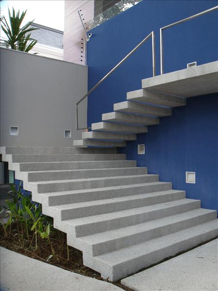 escada externa para jardim:Modelos de Escada Externa para Sobrado