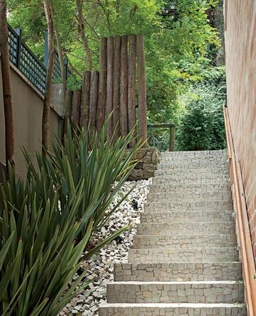Casas com escadas externas