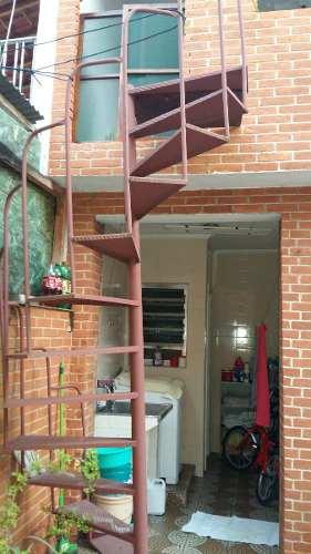 escada-externa-estilo-caracol