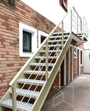escada-externa-estilo-vazada