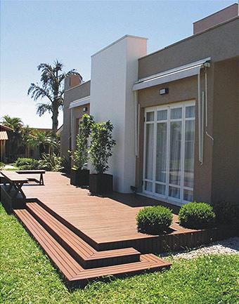 escada-externa-madeira-residencial