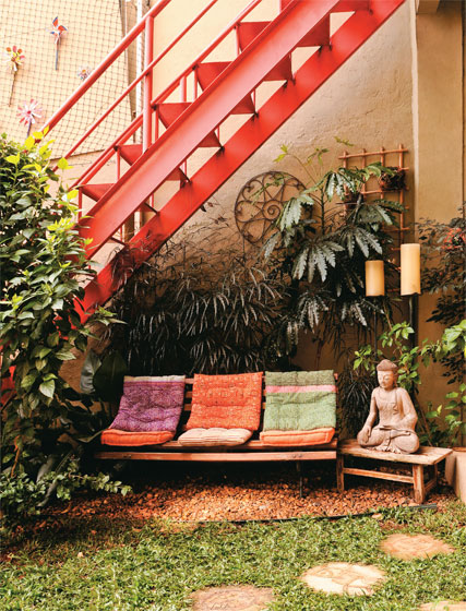 escada-externa-vermelha