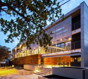 fachadas de prédios comerciais luxuosas