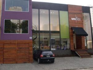 fachadas de prédios comerciais modernas