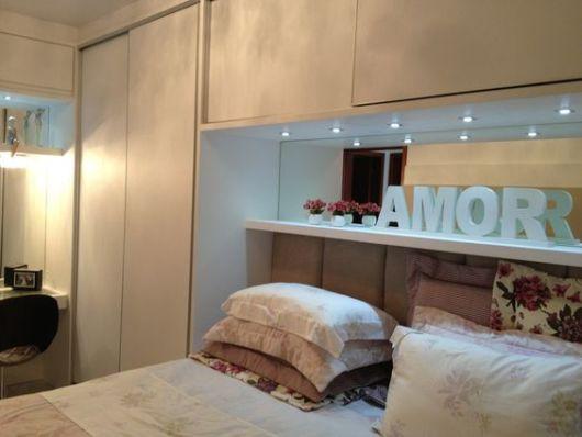 armário planejado com luzes