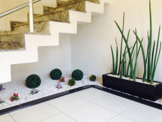 jardim-de-inverno-na-sala-planta-artificial