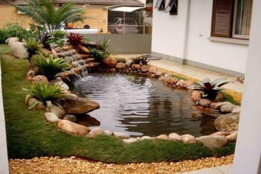 jardim gramado com lago