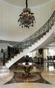 lustre para escada clássico