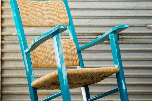móveis laqueados cadeira de palha