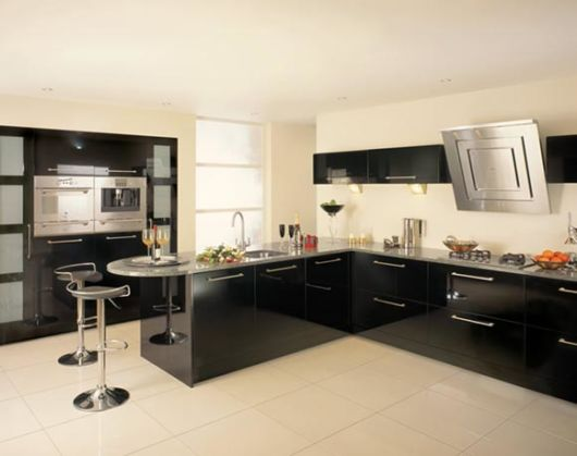 móveis laqueados na cozinha