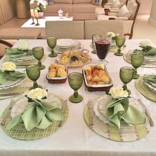 mesa posta jantar sousplat verde