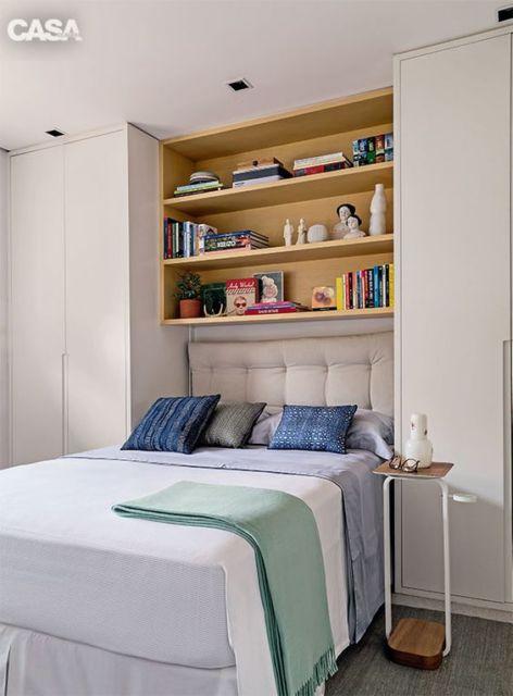 estante de livros quarto de casal