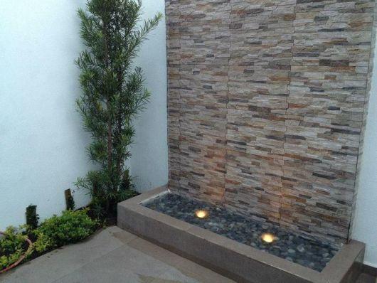 parede imita pedra jardim