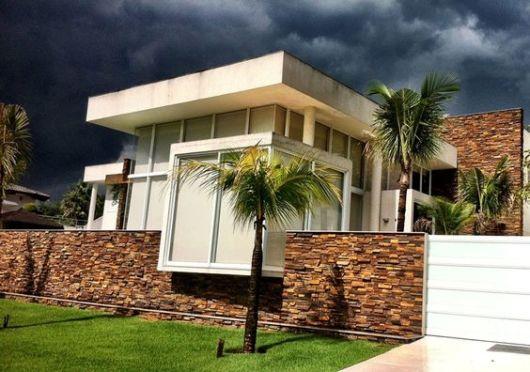 casa moderna com muro