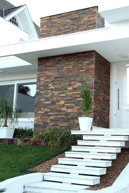 fachada com pedra pericó