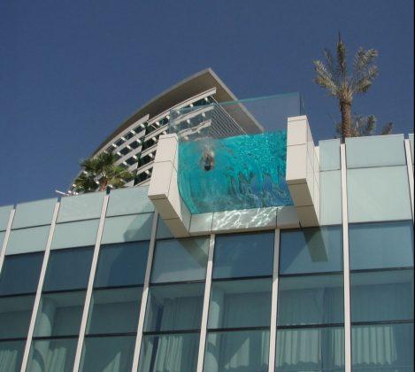 piscina-suspensa-dubai