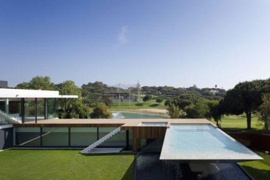 piscina-suspensa-vale-do-lobo-portugal