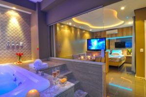 quarto com banheira integrada com luz de led