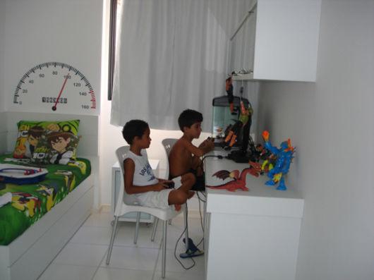 quarto-gamer-pobre