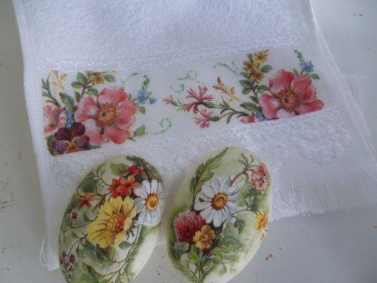 sabonetes decorados em decoupage